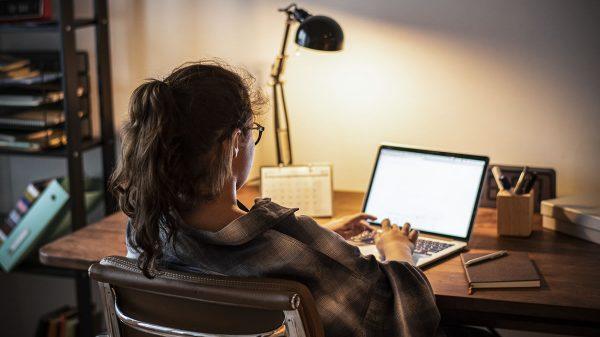 Ciencia y Tecnología | Trabajadores invierten en tecnología Home Offica